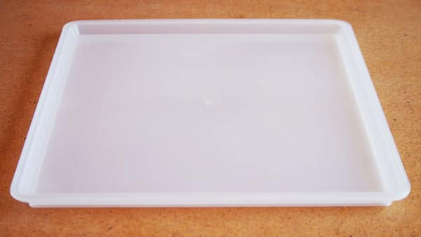 1 x BPA free divider tray – Handy to place in the middle when using only 1 fan.